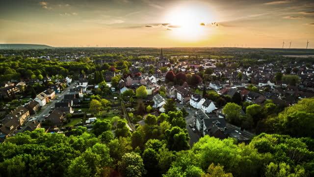 vorort in deutschland - luftaufnahme - town stock-videos und b-roll-filmmaterial