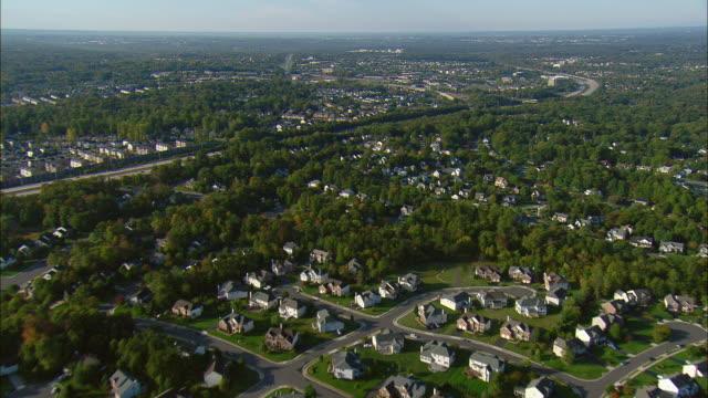 aerial suburban area and i-95, manassas, virginia, usa - バージニア州点の映像素材/bロール