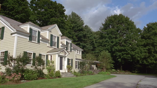 ms suburban home with lawn and large trees in summer / manchester, vermont - sequential series stock videos & royalty-free footage