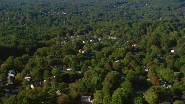 aerial suburban homes, fairfax, virginia, usa - バージニア州点の映像素材/bロール