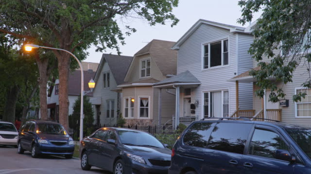 vidéos et rushes de suburban neighborhood exteriors day - stationary