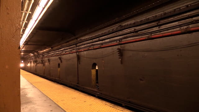 subway 7 train arriving at station in nyc - new york city subway stock videos & royalty-free footage