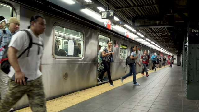 #7 subway platform at times square, nyc - underground stock videos & royalty-free footage
