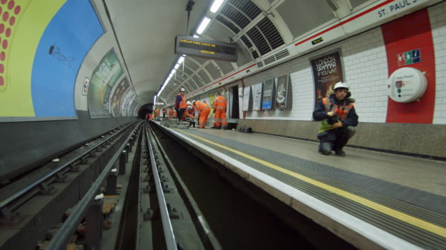 ws pov subway track / st paul's underground station, london, england, united kingdom - rail transportation stock videos & royalty-free footage