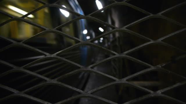 vídeos de stock e filmes b-roll de metro metro trem vedação - vedação