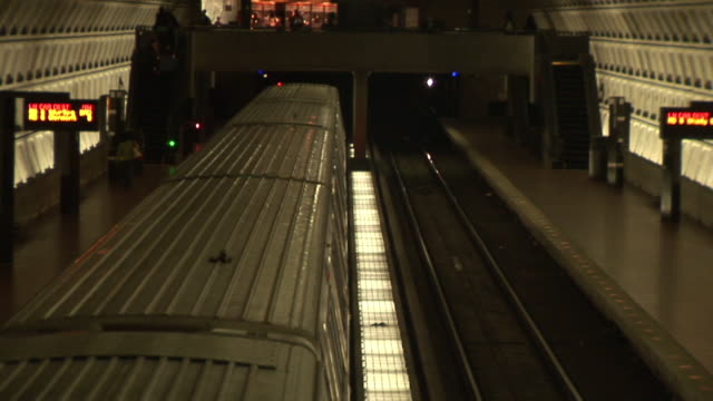 ms, ha, subway train leaving station, dupont circle station, washington dc, washington, usa - dupont circle stock videos & royalty-free footage