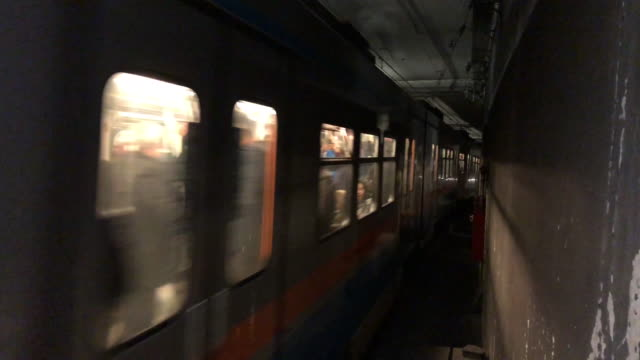 subway train - subway train stock videos & royalty-free footage