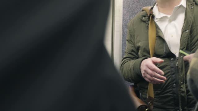 vidéos et rushes de subway - transports publics