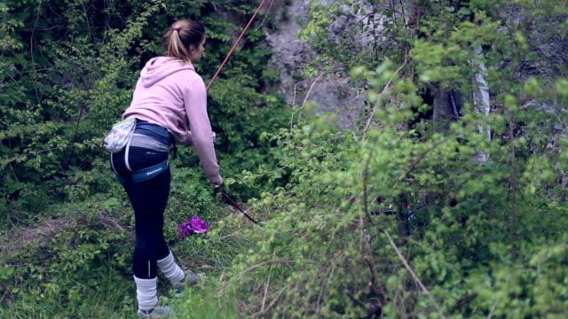 successful advanture - arrampicata libera video stock e b–roll