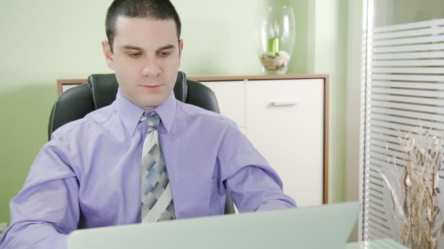 HD DOLLY: Successful Businessman