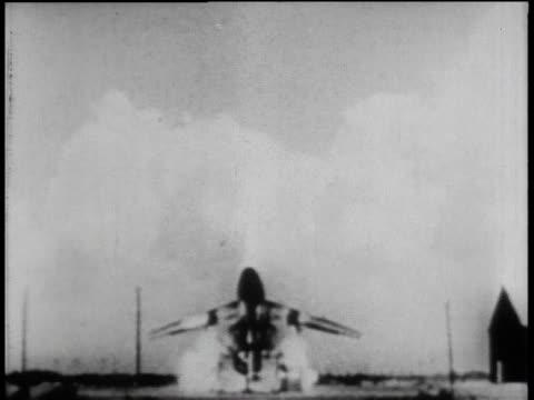 vídeos y material grabado en eventos de stock de ws successful launching of a rocket / united states - 1958