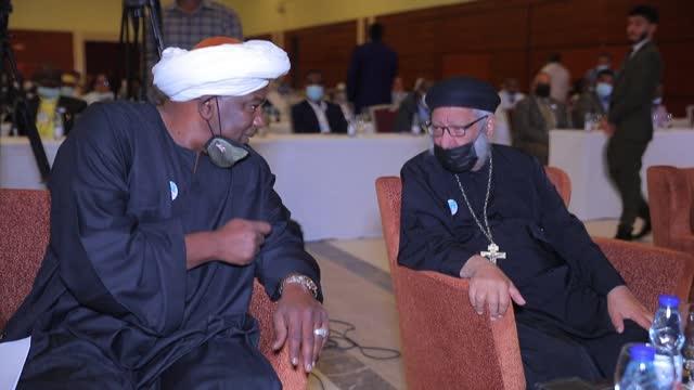 vídeos de stock, filmes e b-roll de sudanese businessman sunday defends hosting an inter-faith event to promote religious tolerance in the muslim-majority country that also included... - religião