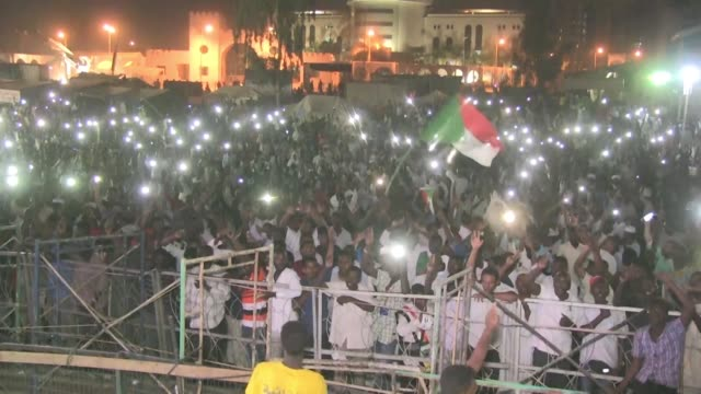 SDN: Sudan: protesters accuse military council of trying to break sit in
