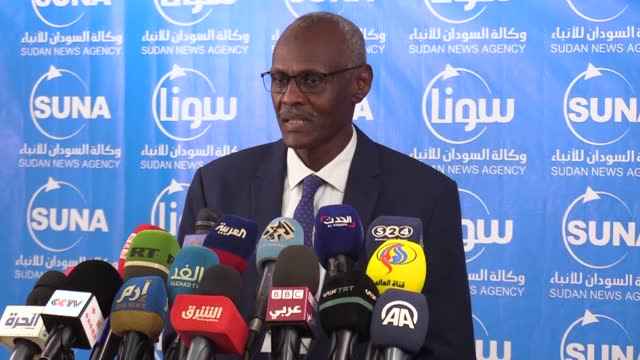 sudaneseirrigation and water resourcesminister yasir abbas holds a press conference in khartoum, sudanon june 14, 2021. - press conference stock videos & royalty-free footage