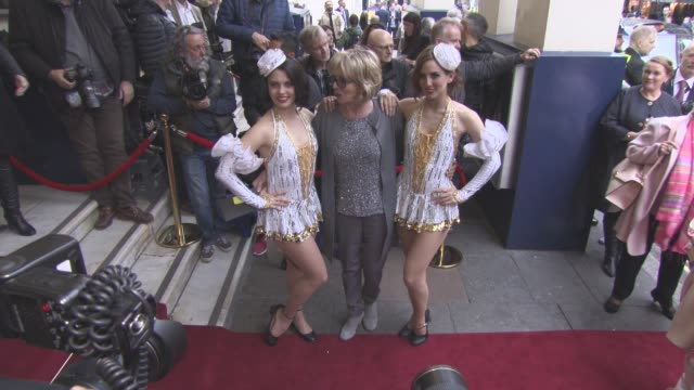 vidéos et rushes de sue johnston at 42nd street opening night after party on april 04 2017 in london england - sue johnston