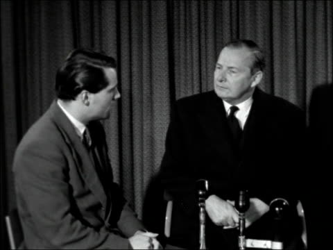 stockvideo's en b-roll-footage met selwyn lloyd interviewed on return from un meeting england london airport int selwyn lloyd mp interview sof on the outcome of the meetings at the... - suezcrisis