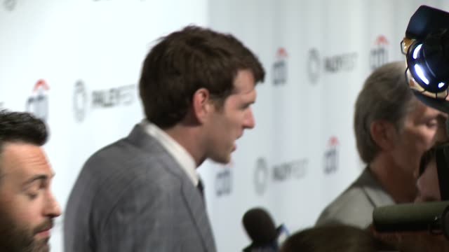"vídeos de stock e filmes b-roll de sufe bradshaw, kevin dunn, timothy simons, and reid scott at the ""veep"" panel - paleyfest 2014 at dolby theatre on march 27, 2014 in hollywood,... - the dolby theatre"