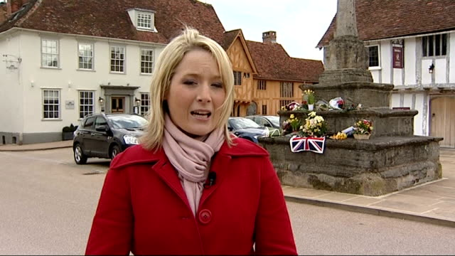 suffolk lavenham ext reporter to camera - lavenham stock-videos und b-roll-filmmaterial