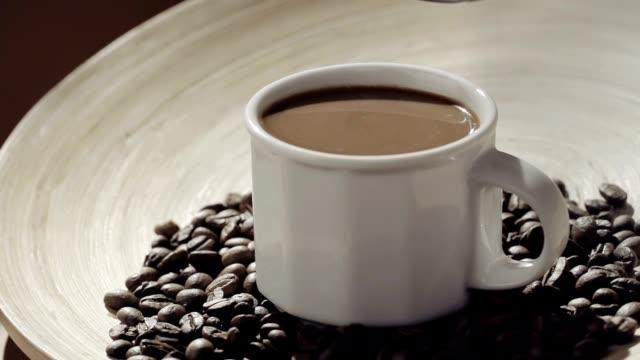 シュガーとコーヒー - モカ点の映像素材/bロール