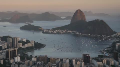 sugar hut i kvällsljus - rio de janeiro bildbanksvideor och videomaterial från bakom kulisserna