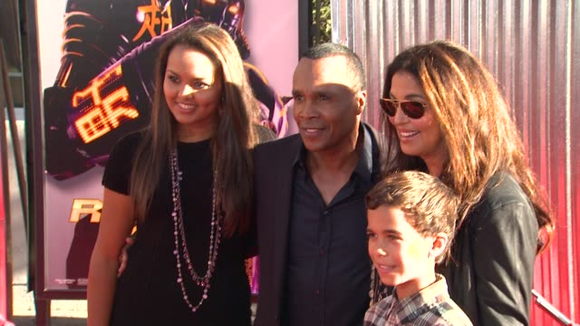 sugar ray leonard and family at the the world premiere of dreamworks pictures' 'real steel' at universal city ca - universal city stock videos & royalty-free footage