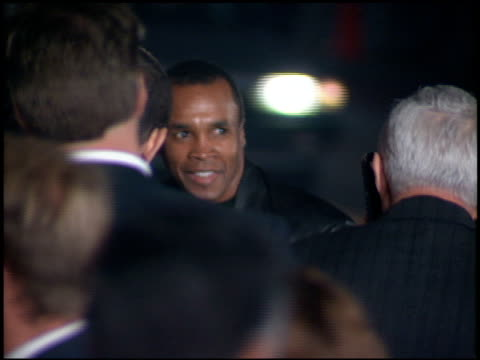 sugar ray leonard at the 'interview with the vampire' premiere at the mann village theatre in westwood california on november 9 1994 - regency village theater stock-videos und b-roll-filmmaterial