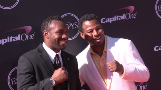vídeos y material grabado en eventos de stock de sugar' shane mosley at the 2013 espy awards on 7/17/2013 in los angeles ca - premios espy