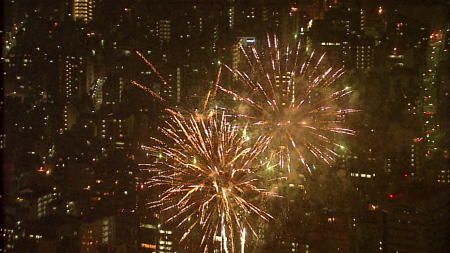 Sumida-River fireworks sparkling pyrotechnics displays flashing exploding celebrations Tokyo Japan 2007-07-28 night, Aerial Shot