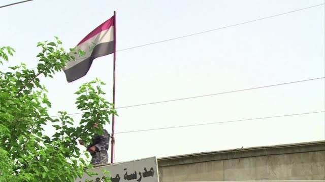 sumido en una ola de violencia que ha dejado al menos 57 muertos irak elige su parlamento en los primeros comicios tras la partida en 2011 de las... - irak stock videos and b-roll footage