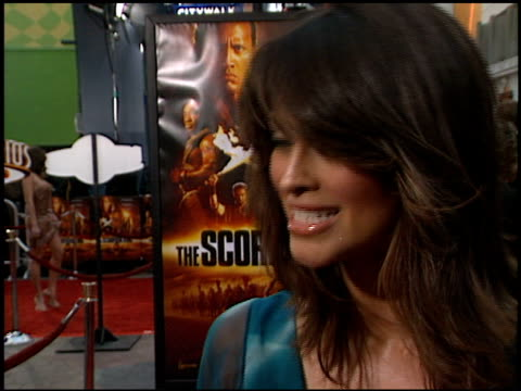 summer altice at the premiere of 'the scorpion king' at universal studios in universal city california on april 17 2002 - summer altice stock videos & royalty-free footage