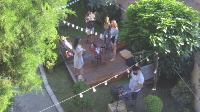 vidéos et rushes de fête en plein air l'été - goûter