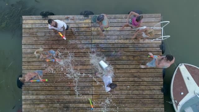 stockvideo's en b-roll-footage met zomer party - holi phagwa