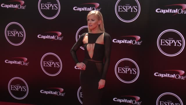 vídeos de stock, filmes e b-roll de summer rae at the 2016 espy awards at microsoft theater on july 13 2016 in los angeles california - espy awards