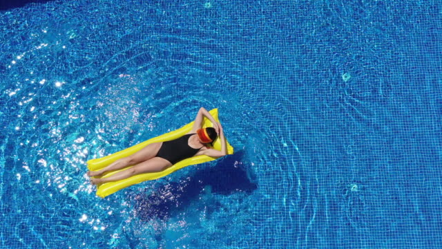 summertime relaxation - sunbed stock videos & royalty-free footage