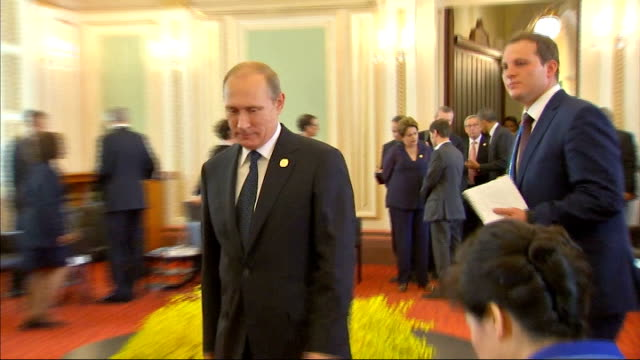 world leaders warn putin on ukraine gv g20 leaders including vladimir putin in reception area david cameron mp and barack obama greeting each other... - group of 20 stock videos & royalty-free footage