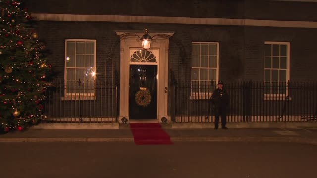 nato politicians departing downing street reception england london downing street ext / night **beware erna solberg and her husband sindre finnes... - limousine luxuswagen stock-videos und b-roll-filmmaterial