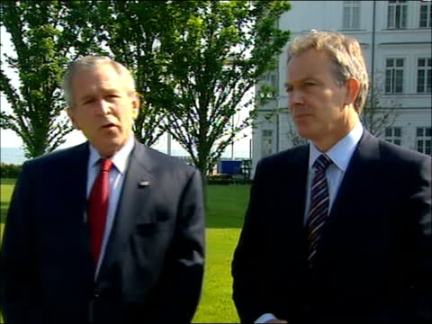 blair bush pkf on climate talks bae payments to saudi us missile defence system george w bush speaking to press sot we had a presser in the rose... - g8 stock-videos und b-roll-filmmaterial