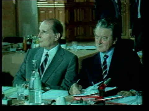 stockvideo's en b-roll-footage met france fontainebleau delegates seated zoom francois mitterrand ms mitterrand seated ms margaret thatcher and geoffrey howe seated zoom ms helmut kohl... - geoffrey howe