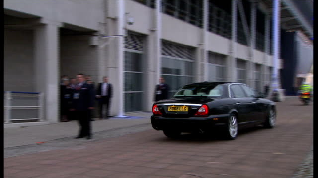 leaders greeted england london excel centre photocalls**** motorcade arriving at the excel centre where the g20 summit of world leaders is being... - g20 leaders' summit stock videos & royalty-free footage