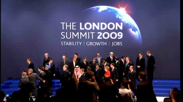 leaders reach deal on economy england london docklands excel centre photography** side view of group photocall of g20 leaders close up of barack... - g20 leaders' summit stock videos & royalty-free footage