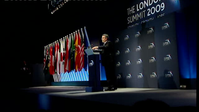 leaders reach deal on economy england london docklands excel centre int gordon brown mp chatting to timothy geithner and patting him on the back then... - g20 leaders' summit stock videos & royalty-free footage