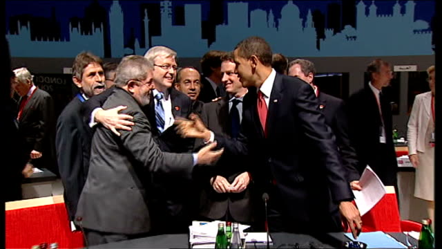 leaders reach deal on economy excel centre int barack obama shaking hands with luiz inacio lula da silva with kevin rudd and timothy geithner nearby... - g20 leaders' summit stock videos & royalty-free footage