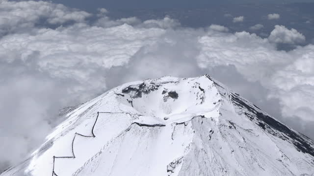 aerial, cu, summit of mt fuji, yamanashi, japan - deep snow stock videos & royalty-free footage