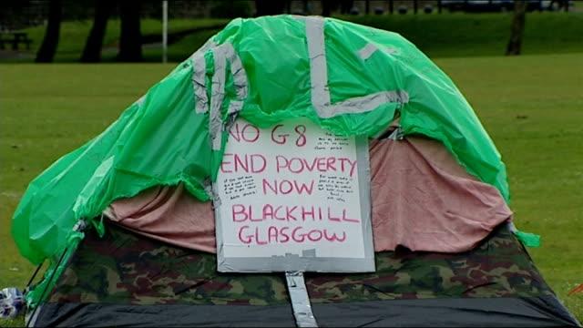 Protesters in Enniskillen NORTHERN IRELAND County Fermanagh Enniskillen EXT Signs for 'Enniskillen Castle' and 'Enniskillen Castle Museums' / Boer...