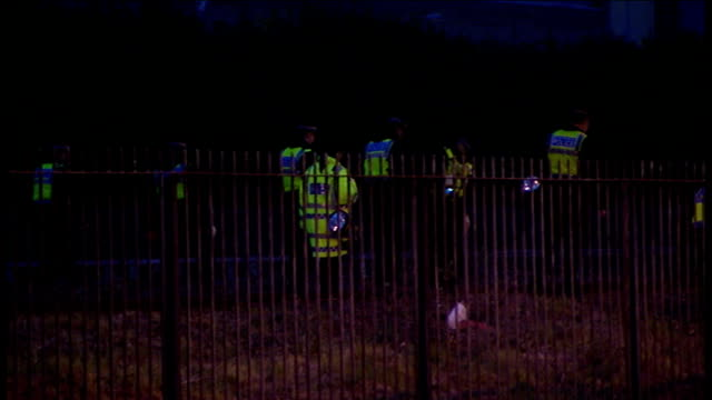 Protests Security ENGLAND London Docklands Police officers searching railway embankment close to the ExCel Centre where the G20 summit of world...