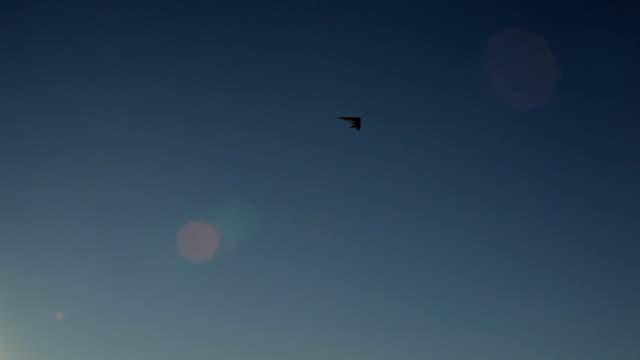 Sun and Hang Gliding