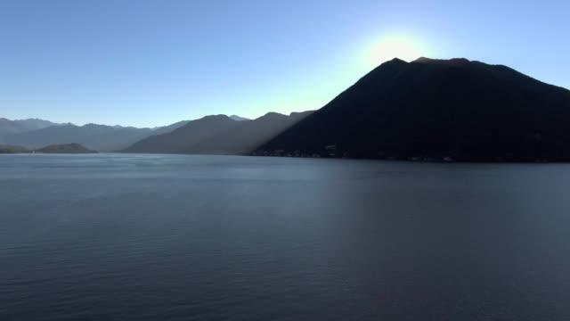 Sonne und Berg am Comer See Italien