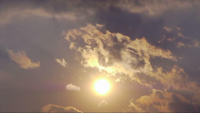 Sol brillante en color