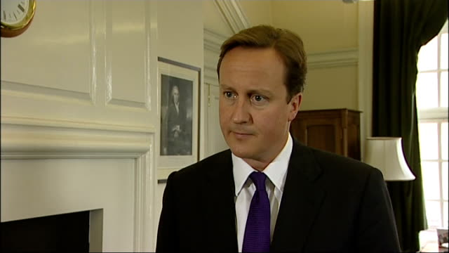 vídeos y material grabado en eventos de stock de david cameron interview england int david cameron mp interview sot there was a gaping hole in the speech and that is the gaping hole in the nation's... - partido conservador británico