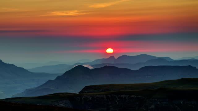 sun rise over the drakensburg foothills - drakensberg mountain range stock videos & royalty-free footage